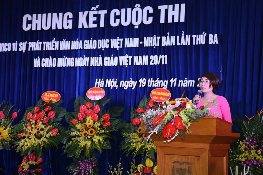 Cô giáo Trần Thị Thuý Hằng - Phó giám đốc Trung tâm đào tạo du học HAVICO - đại diện cho tập thể giáo viên chia sẻ cảm tưởng