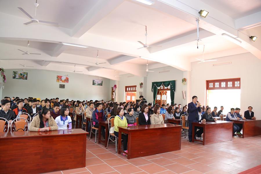 Đại đức Thích Trúc Thái Minh - trụ trì chùa Ba Vàng - thuyết giảng