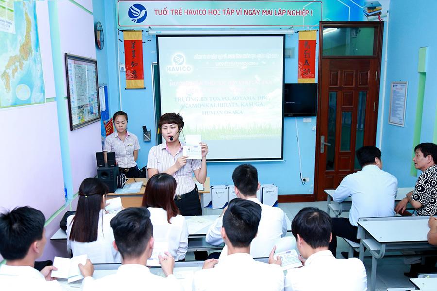 Ths. Mai Ngoc Anh - Giam doc trung tam tu van du hoc HAVICO, huong dan thu tuc bay cho cac ban hoc vien
