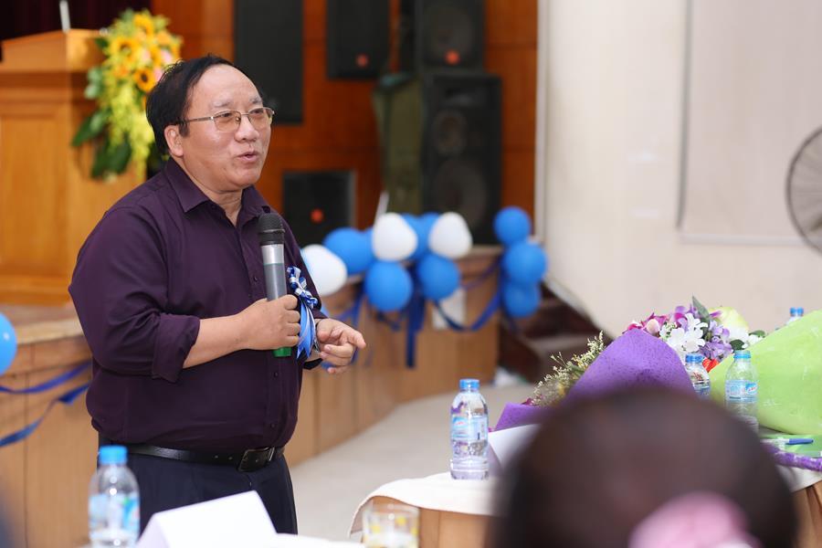 Nhà thơ Trần Đăng Khoa