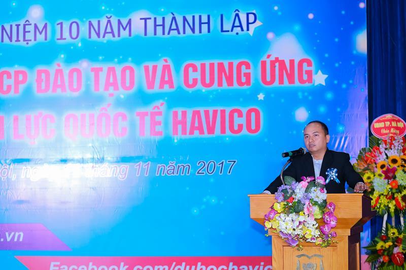 Ông Đặng Vũ Tuấn Sơn - Trưởng Ban giám khảo phát biểu và công bố giải thưởng.
