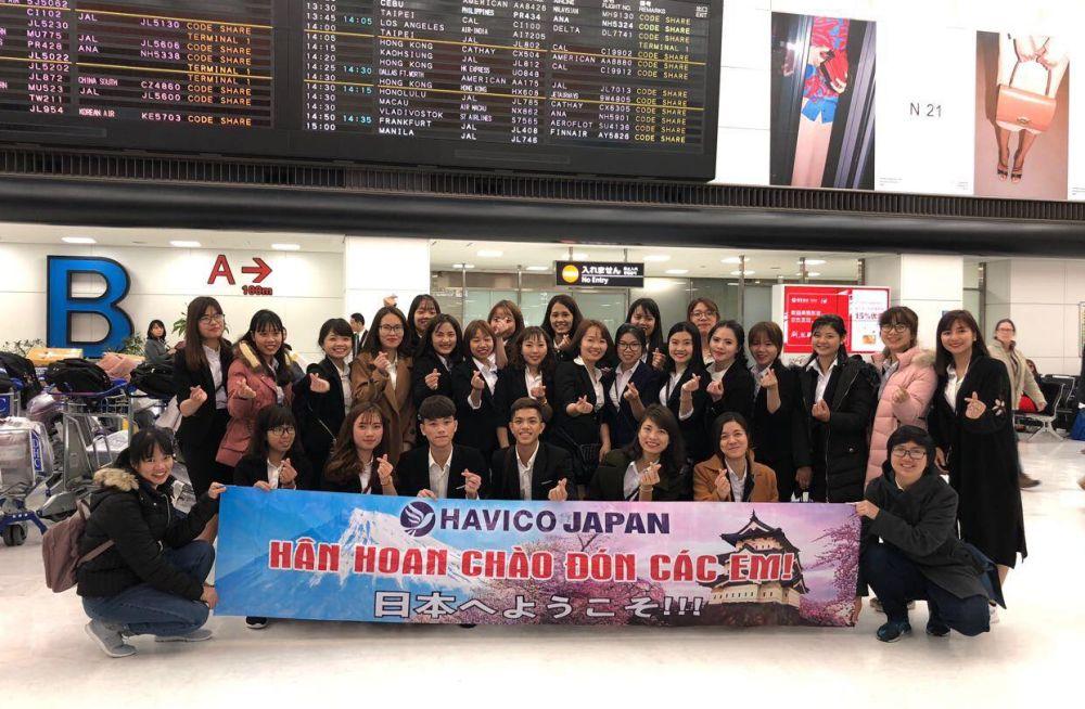 Ít giờ sau, các em đã tới Nhật Bản và bắt đầu hành trình tri thức của mình.