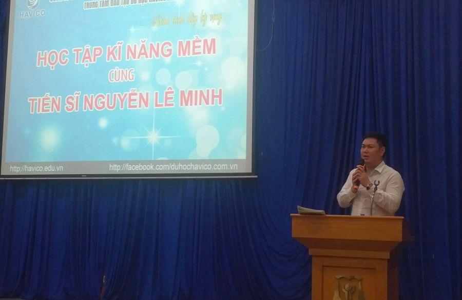 TS. Đỗ Minh Chính - Chủ tịch HĐQT HAVICO chia sẻ và cám ơn diễn giả.
