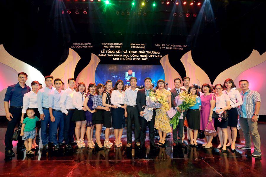 Tập thể HAVICO cùng gia đình và bạn bè cùng chung vui thành công của Chủ tịch Đỗ Minh Chính.