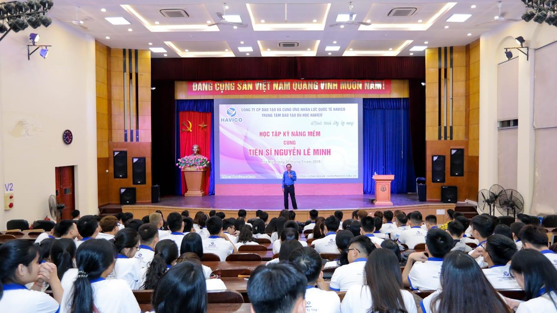 Đào tạo kỹ năng mềm cùng tiến sĩ Nguyễn Lê Minh