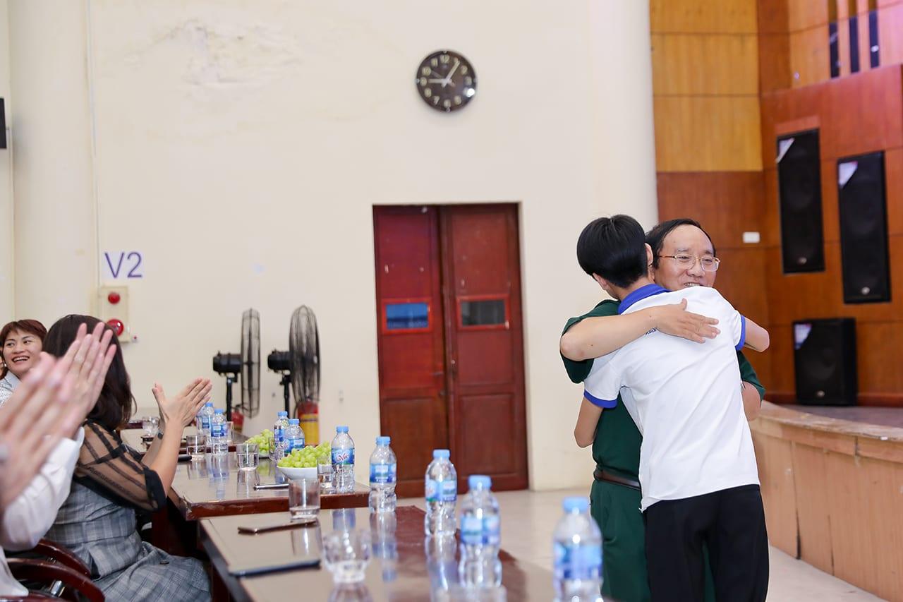 Học viên HAVICO giao lưu với nhà thơ Trần Đăng Khoa
