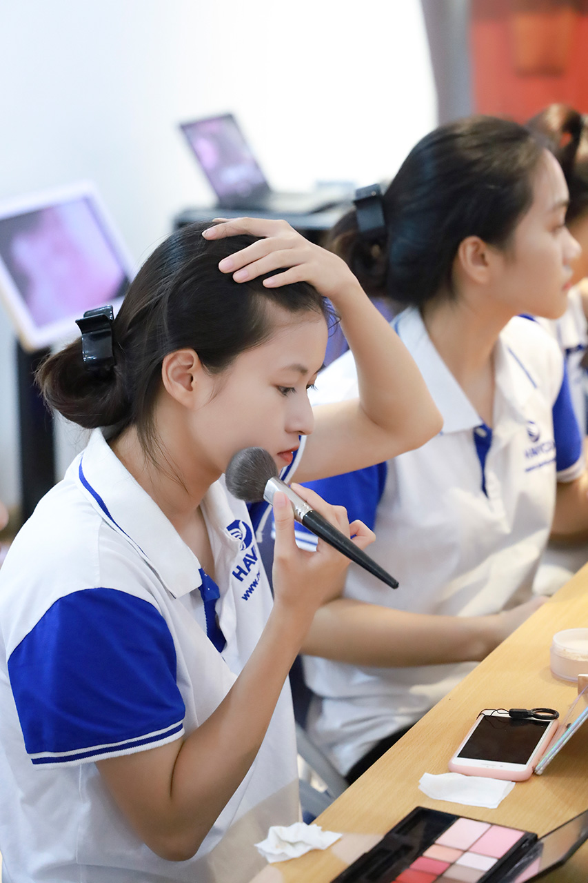 Khóa đào tạo nghề Makeup cho học viên HAVICO